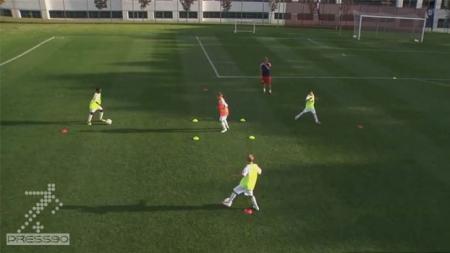 آموزش بدنسازی  با مانع در فوتبال ویژه سنین پایه(نونهالان.نوجوانان.جو