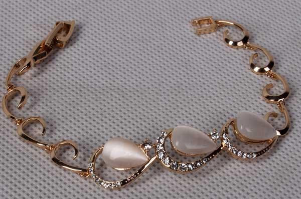 دستبند اشک با سنگ صدفی سواروسکی (hc11)
