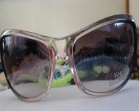 عینک زنانه ونیز     uv400     veniz     ( کد 132 )       +   کیف هدیه فروشگاه